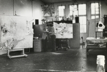 Constant Nieuwenhuys-Daniël Gervis and Constant in his studio, 1972