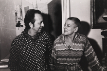 Constant and Fanny in front of painting Japans Theehuis, ca 1977