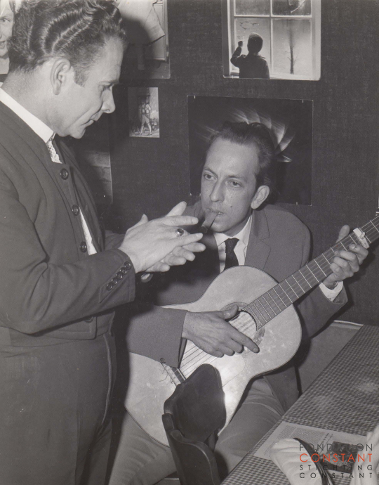 Constant playing guitar with Pepe de Cordoba