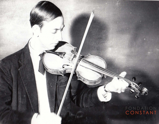Constant playing violin