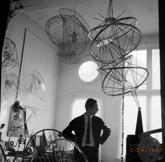 Constant in his studio, Henri Polaklaan, 1959